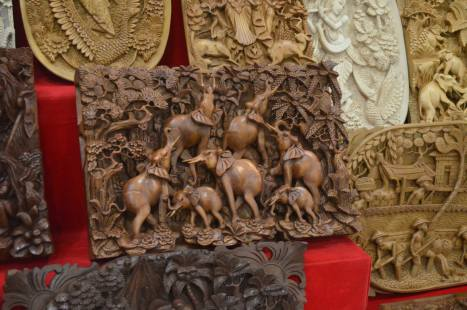 Carved wooden paintings ... So many designs and styles and colors